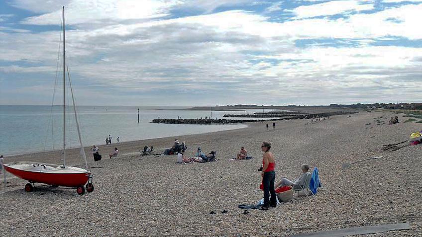 Pagham beach looking west